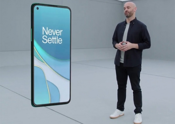 Трижды на те же грабли: первые владельцы OnePlus 8T жалуются на экран